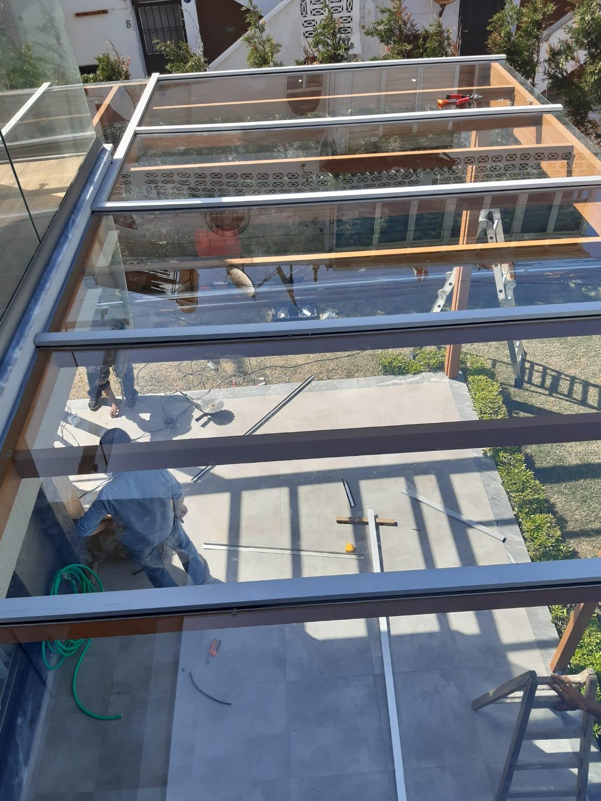 cam tavan montajı